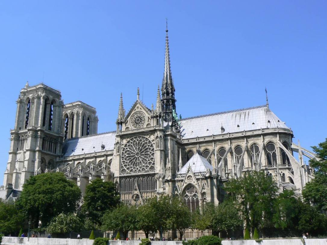 The-religious-hot-spot-of-Paris-La-Notre-Dame-4